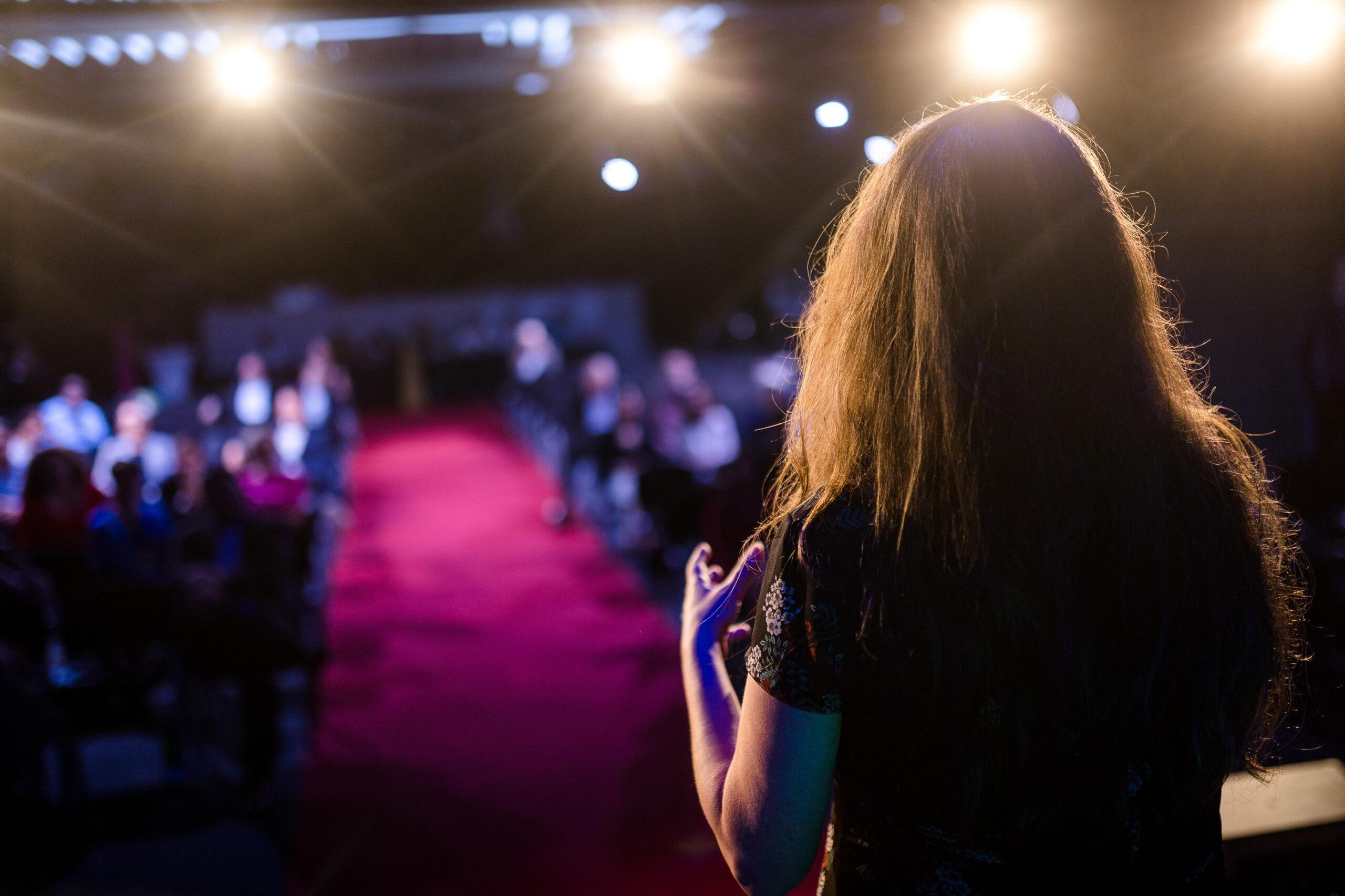 Peggy Reuter-Heinrich beim 7. Internationalen Speakerslam 2021 und Weltrekord